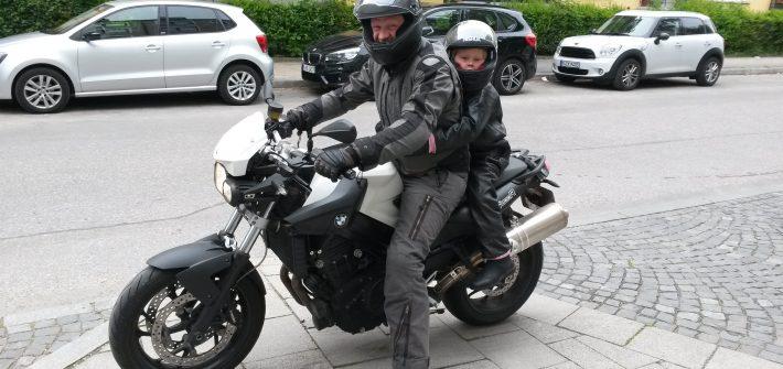 Ausgangsbeschränkung Motorrad Fahren